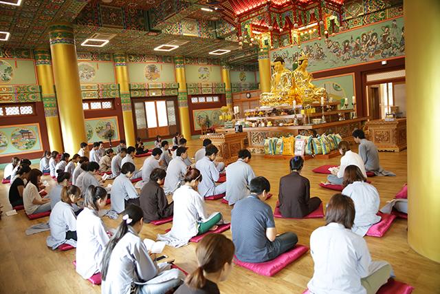 Hàn Quốc-Cộng đồng Phật tử Viện Chuyên Tu tổ chức lễ tri ân