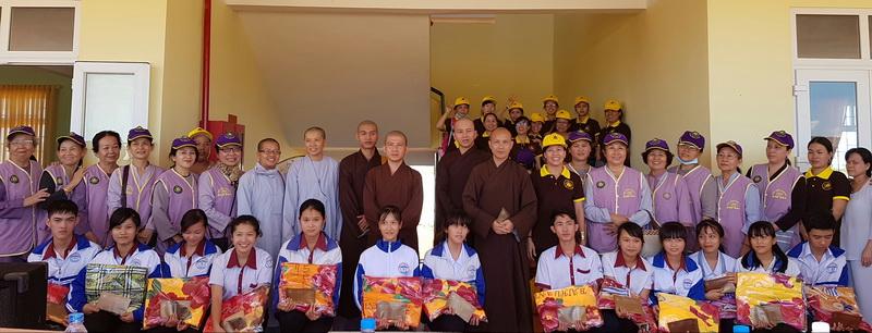 BTN Ánh Đạo phát học bổng Tại Đắk Nông