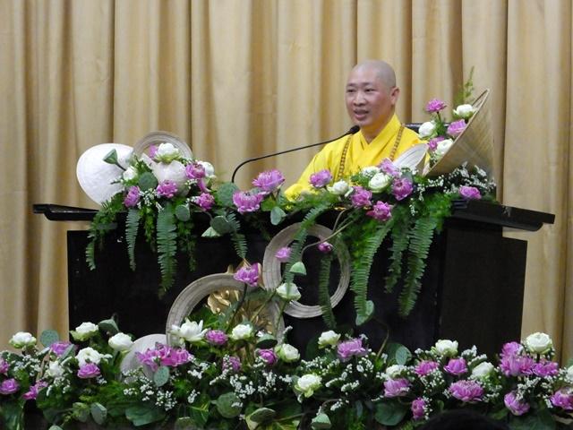 """TT. Thích Thiện Thuận thuyết giảng chủ đề """"Thay đổi cuộc đời"""""""