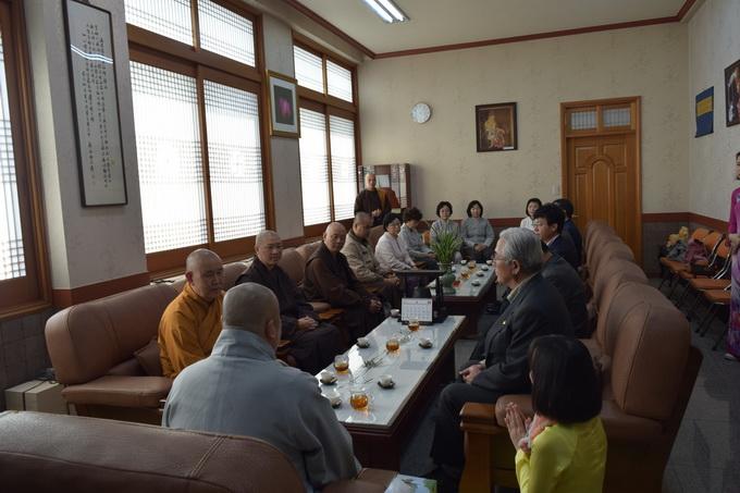 Ngày thứ hai, Khóa tu học Phật pháp lần thứ 5 kì 2 tại Hàn Quốc – Phần 3