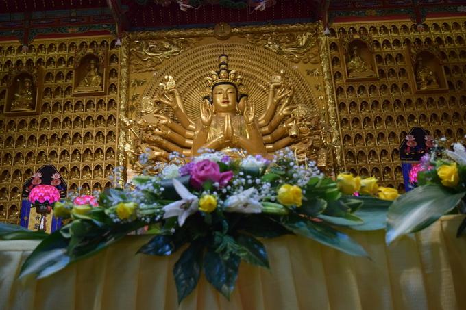 Ngày thứ nhất, khóa tu học Phật pháp tại chùa Hoàng Long Hàn Quốc