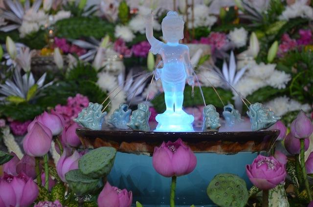 Lễ tắm Phật tại Viện Chuyên Tu 2