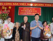 BTN Ánh Đạo tặng quàtết cho bà con tại Đồng Nai.